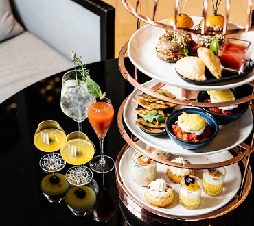 birdcage brunch at twr crown towers
