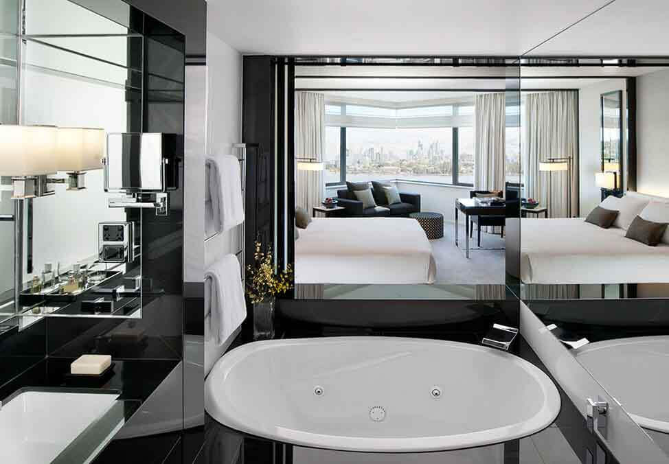 Perth Hotels Metropol LuxeKingSpa Bathroom