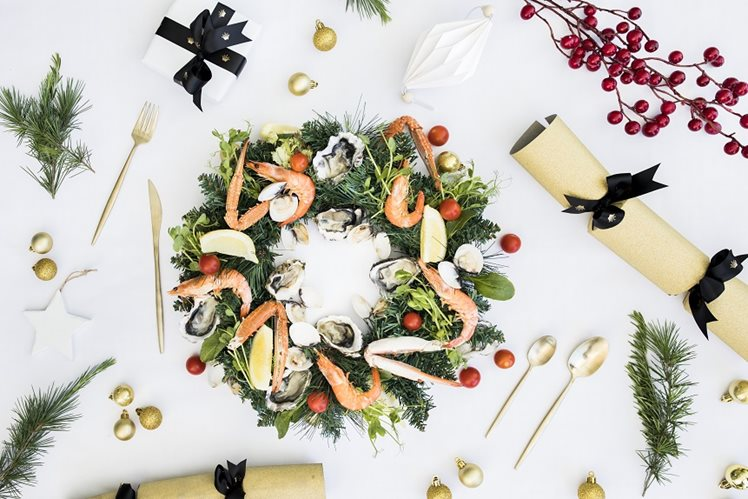 christmas wreath flat lay