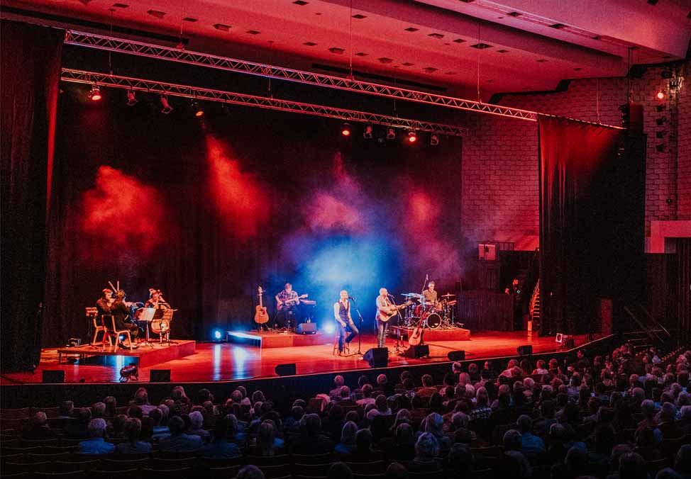 simon and garfunkel through the years live at crown perth theatre