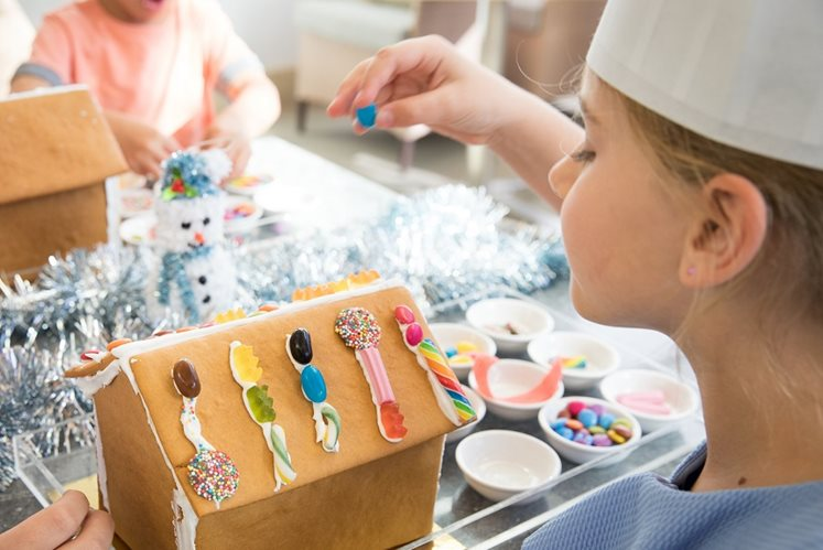 gingerbread decorating at epicurean